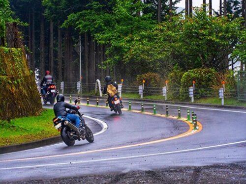 雨ツーリングバイク