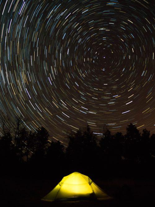 キャンプ、星空の写真