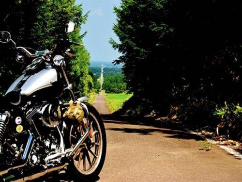 北海道の果て無き道とバイク