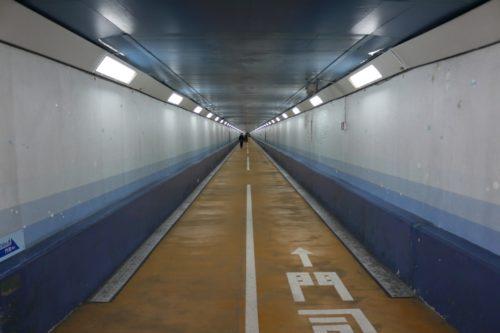 関門トンネル人道の下関側入り口写真