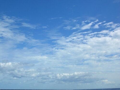 青空と高層雲