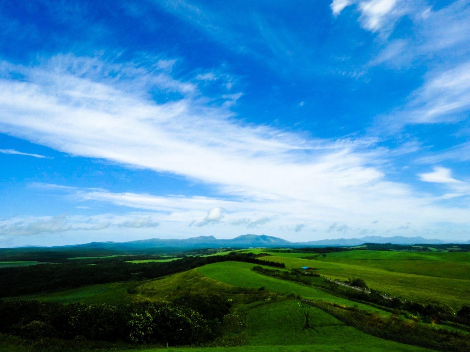 北海道の地平線が見えるキャンプ場の空