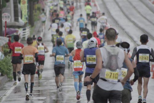 雨の中のマラソン