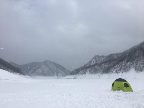 北海道ワカサギ釣り風景