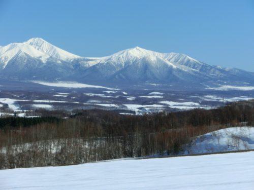 十勝連峰と大雪原