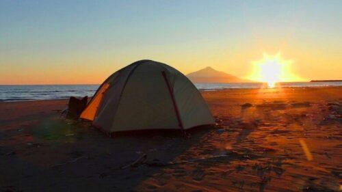 北海道砂浜のキャンプ ドームテント