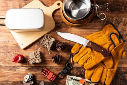 アウトドア用品とナイフ