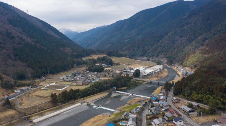 揖斐川町 粕川からの風景 ドローン空撮